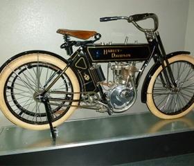 Harlly-Davidson-Bike